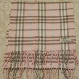 Final Countdown ! AUTHENTIC Burberry Scarf